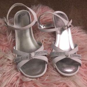 Girls dress sandals with heel